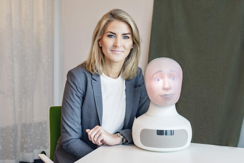 RTE19 keynote: Elin Öberg Mårtenzon (NRG) over social interview robot Tengai
